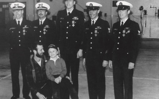Jeffery Tunks and crew of CG1486 with survivors Jim and Clint Blades